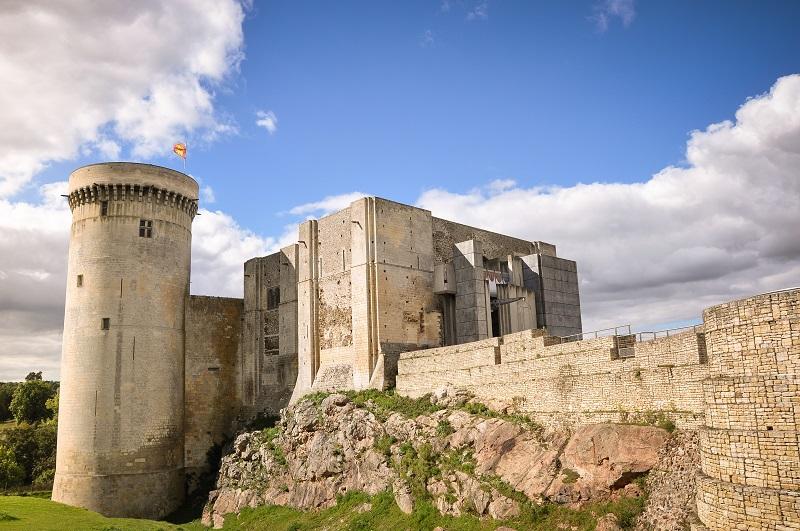 Le château falaise fait partie du patrimoine médiéval incontournable des itinéraires Normandie  médiévale DR: Château Falaise