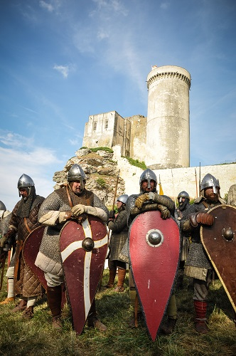 Les médiévales enchanteront petits et grands cet été 2017. DR: Château Falaise