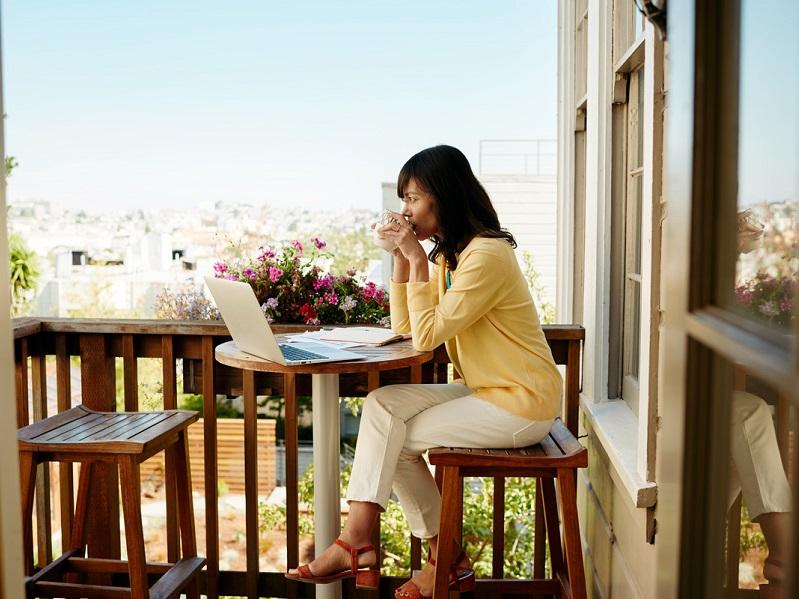 Les lignes deviennent plus floues entre les voyageurs d'affaires et de loisirs (c) Airbnb