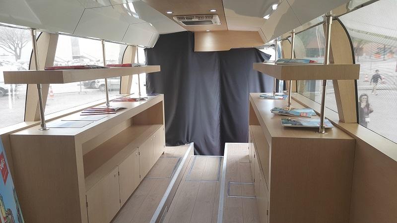 Vaucluse : Raoux Voyages transforme un ancien autocar en agence de voyages (vidéo)