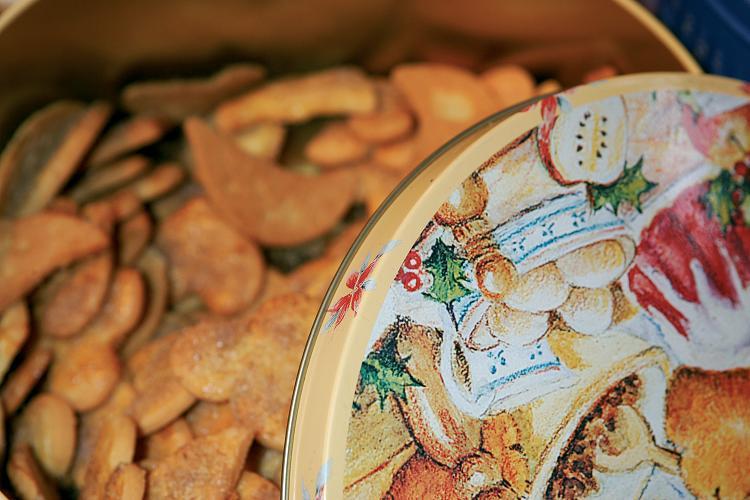Boite de bredeles, ces fameux petits gâteaux traditionnels en période de fêtes - DR : PSN/Betsch