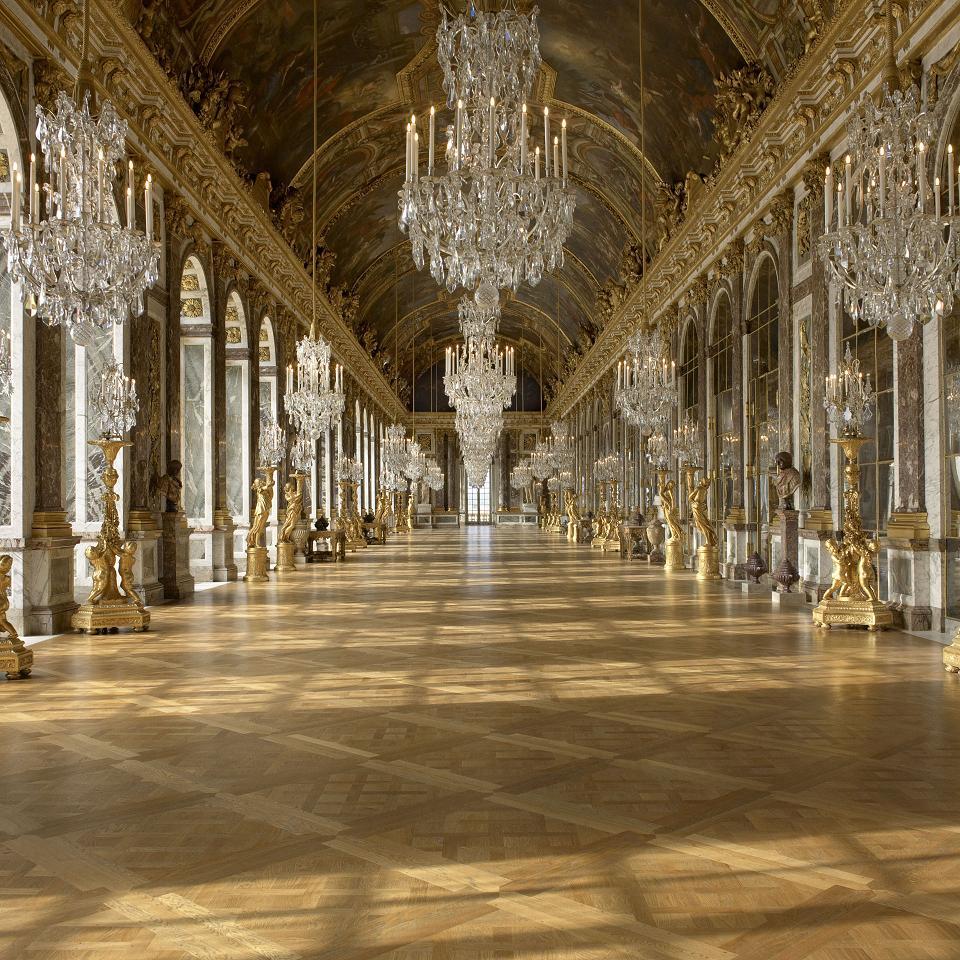 La célèbre Galerie des Glaces est composée de 357 miroirs - EPV-RMN