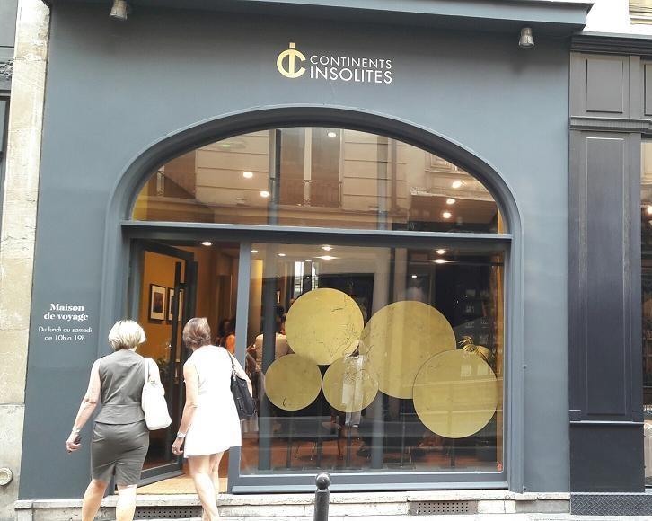 continents insolites ouvre une agence rue sainte anne paris. Black Bedroom Furniture Sets. Home Design Ideas