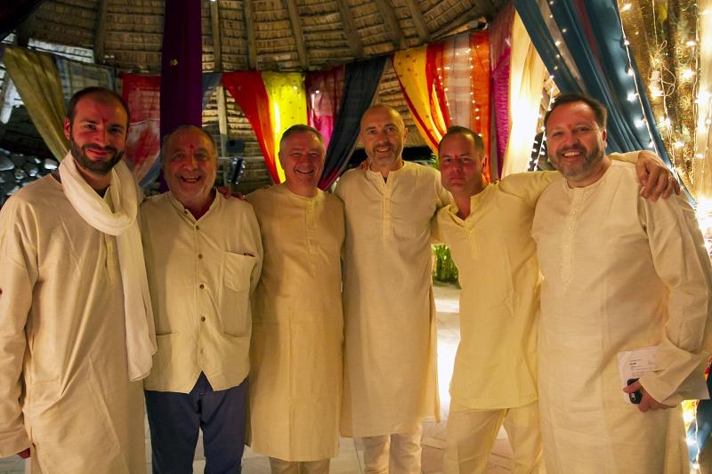 L'équipe organisatrice lors de la soirée indienne - DR
