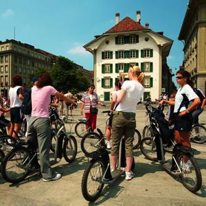 © Bern Tourisme - Visite en trottinette de Berne