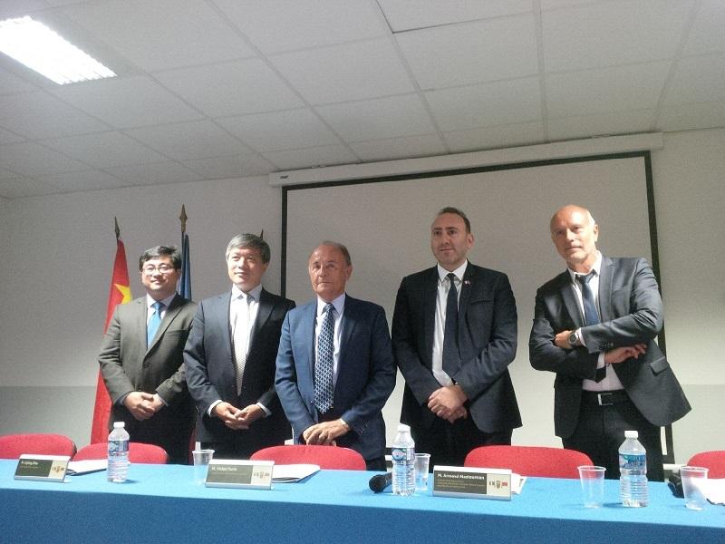 La nomination d'Armand Mazoulmian au poste d'ambassadeur en Chine a été l'occasion de faire le point sur les actions menées en faveur de la promotion de la ville d'Aix-en-Provence sur le marché chinois - DR : A.R