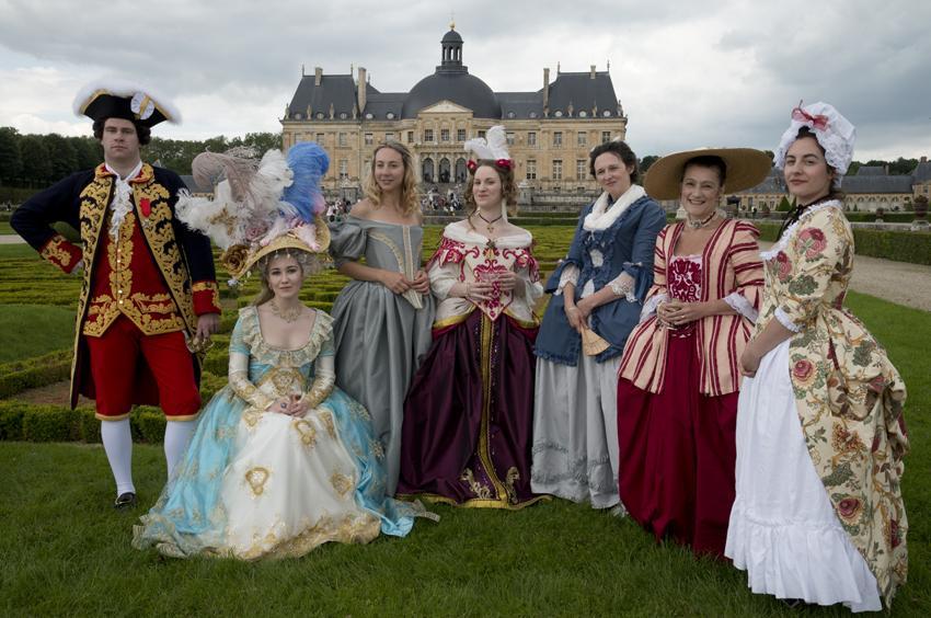 """Une journée """"Grand Siècle"""". Les costumes peuvent être loués. C Béatrice Lecuyer."""