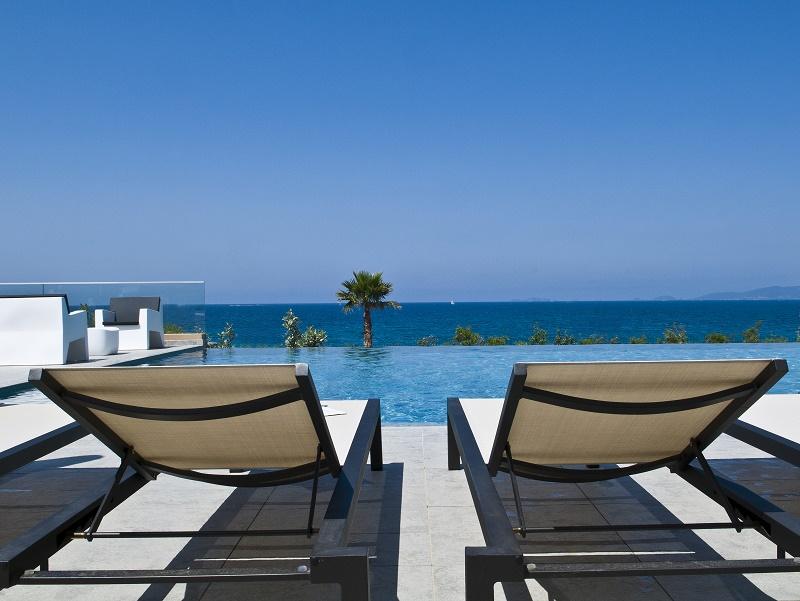 Vue depuis la terrasse de l'hôtel Radisson Blu Resort & Spa dont le groupe Ollandini est propriétaire - © francis vauban