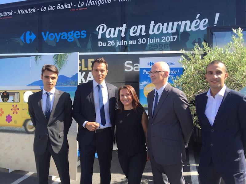 Autour de Nadia Van Cleven, une partie des équipes Carrefour Voyages inaugurent leur premier roadshow qui les emmènera à Vénissieux, Montpellier et au Mans © DR PG Tourmag