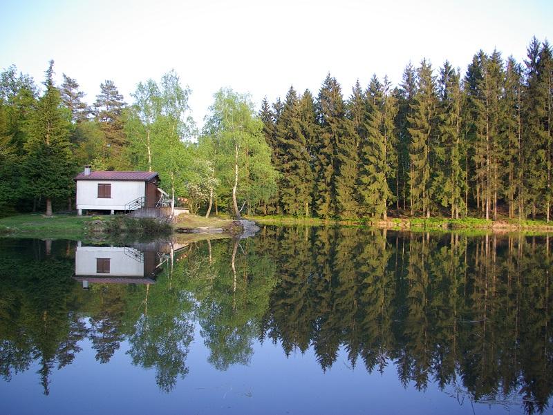L'été en Franche Comté, il ne fait pas trop chaud et on respire sur les hauteurs. La nature et les villes sont le plus souvent généreuses - DR : J.-F.R.