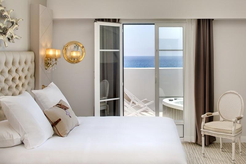 L'hôtel dispose de 75 chambres et suites entièrement rénovées - DR : Hilton