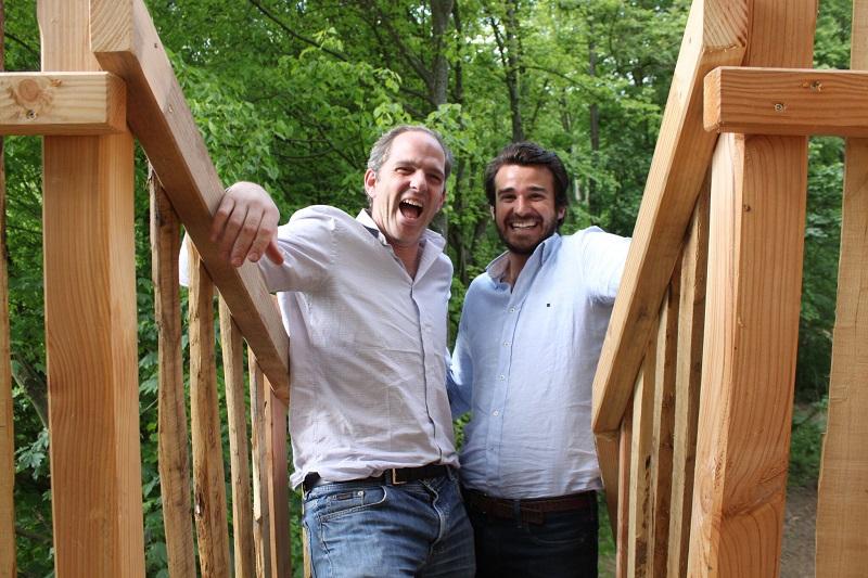 Emmanuel de la Bédoyère  et Gaspard de Moustier, entrepreneurs passionnés créent un 4e domaine écotouristique en France DR: Cabanes Nature et Spa