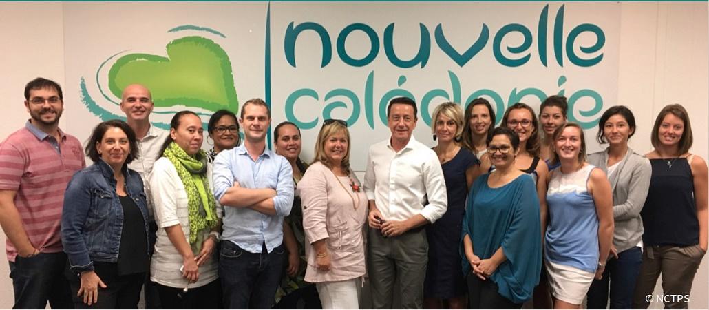 Jean-Marc Mocellin entouré de l'équipe de Nouvelle-Calédonie Tourisme - Photo : NCT