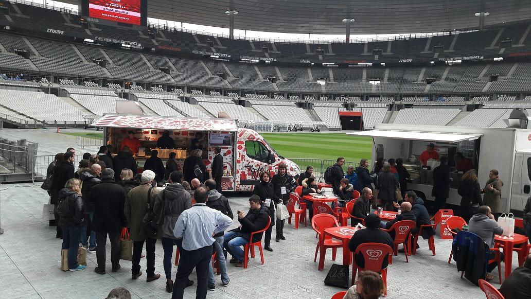 Eluceo privatise deux fois par an le Stade de France. Ici, en septembre 2016, pause food truck au bord de la fameuse pelouse - DR : M.S.