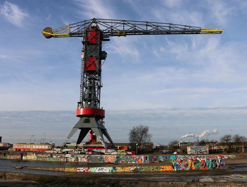 NDSM n'est qu'un maillon de l'immense reconversion en cours des quartiers portuaires de la rive nord d'Amsterdam - DR : J.-F.R.