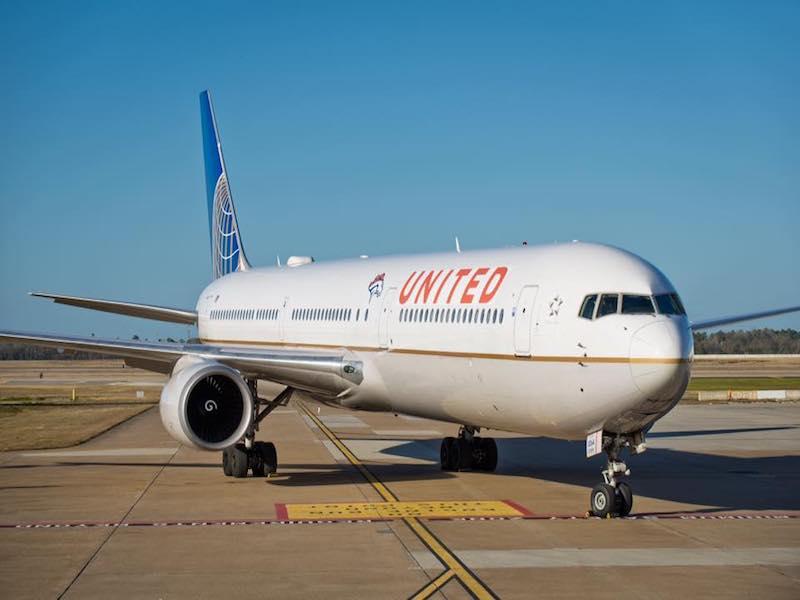 """United Airlines, championne mondiale des """"revenus annexes"""", avec plus de 6 milliards de dollars déclarés en 2016 © UA Facebook"""