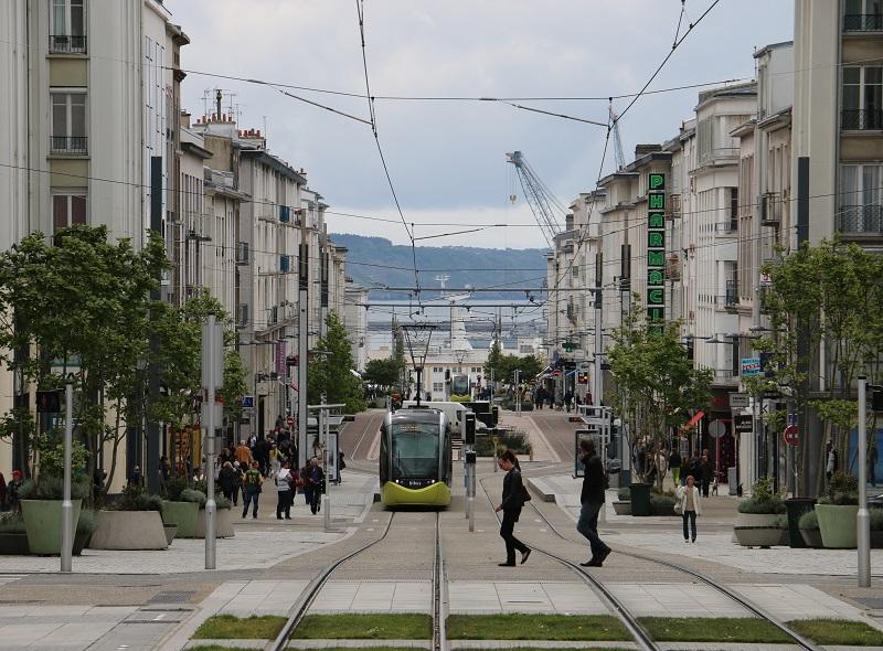 Brest une ville r solument tourn e vers la mer - Surplus militaire brest port de commerce ...