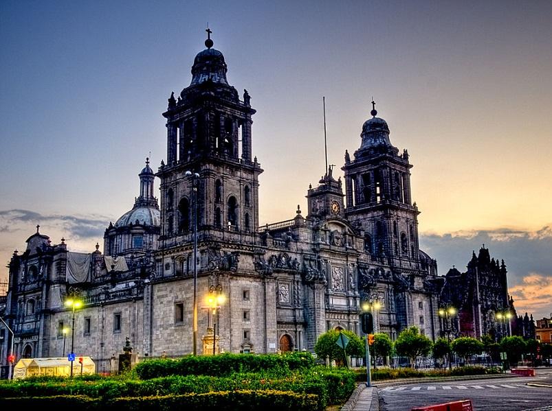 La Cathedrale de Mexico est un haut lieu touristique de la capitale - Francisco Diez via wikicommons