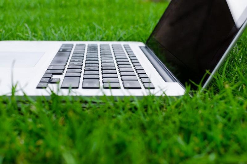 Frequent Fly Travel veut allier business et trajets plus respectueux de l'environnement - DR Lukas, pexel.com