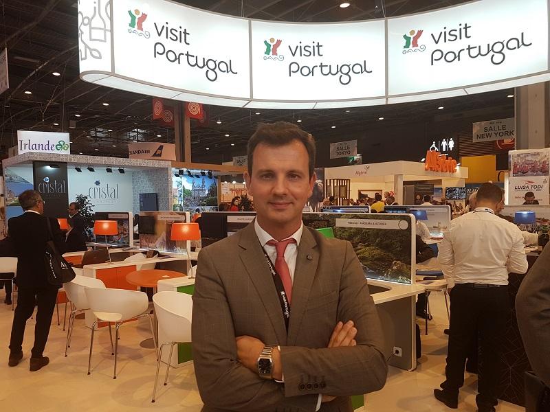 Jean-Pierre Pinheiro, directeur de l'office de tourisme du Portugal en France sur le stand de 300 m² à l'IFTM - Photo CE