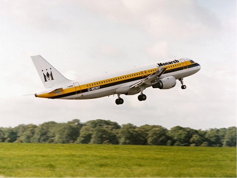 La compagnie britannique laisse 110 000 passagers sans vol retour - Crédit photo : compte Twitter @Monarch