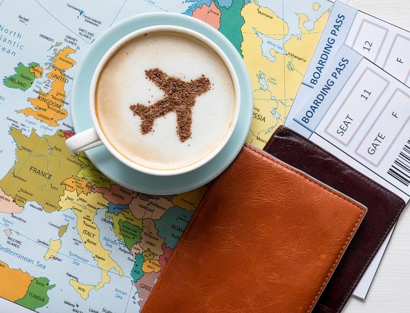 Aujourd'hui comme hier, le visa se traduit par l'apposition d'une vignette sur un passeport ou autre titre de voyage par les services consulaires des pays dans lesquels désire se rendre le voyageur. Il sera vérifié lors de l'entrée dans le pays - DR : Fotolia