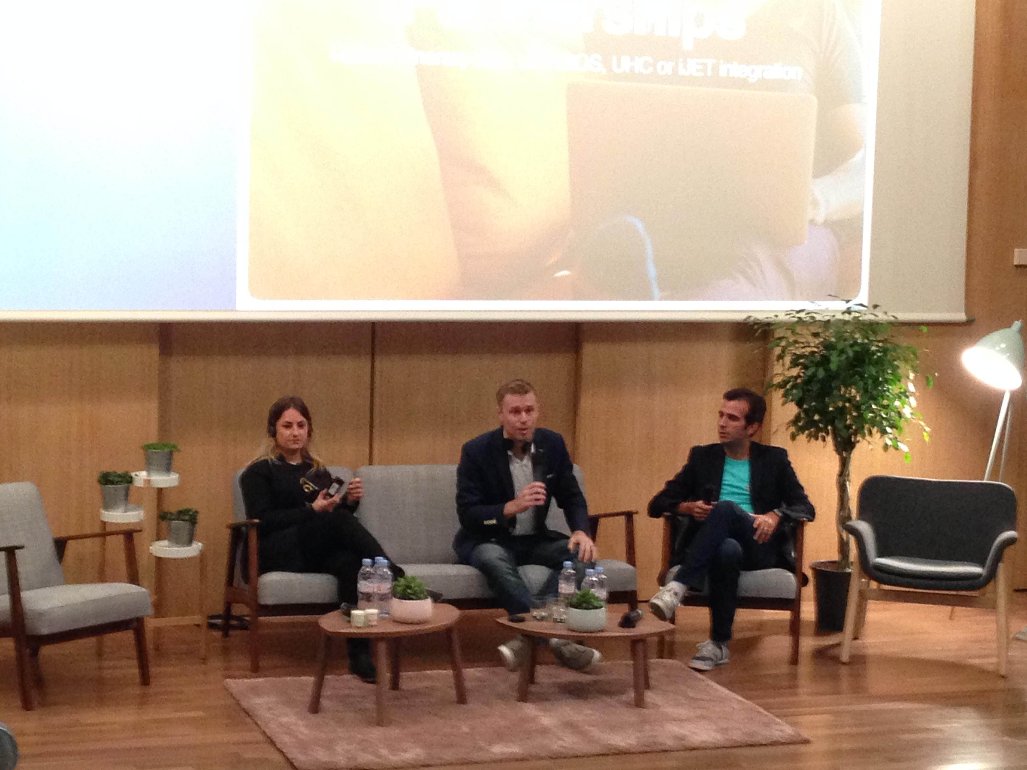 Au centre, Jon Liebtag, directeur EMEA de la division Voyages d'Affaires d'Airbnb et Teoman Colakoglu (à droite), responsable France de la division - DR : C.L.