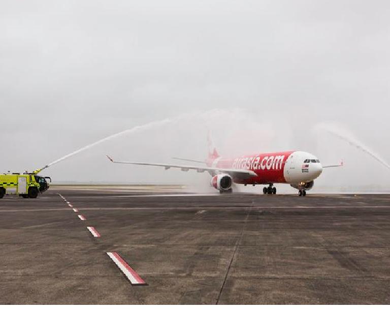 Air Asia, après un premier essai non concluant en 2012, rêve de revenir vers l'Europe. La première low-cost asiatique n'en finit pas de se développer. DR Air Asia