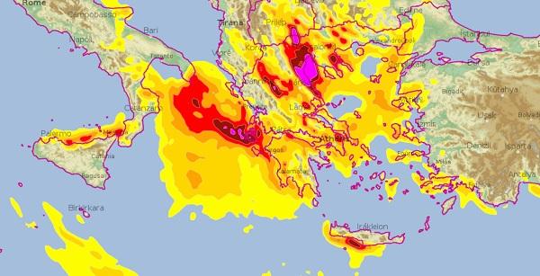 Les précipitations sont conséquentes en Grèce ces derniers jours, il est important de se renseigner sur l'évolution de la situation avant de se rendre sur place - Crédit photo : Météo-France