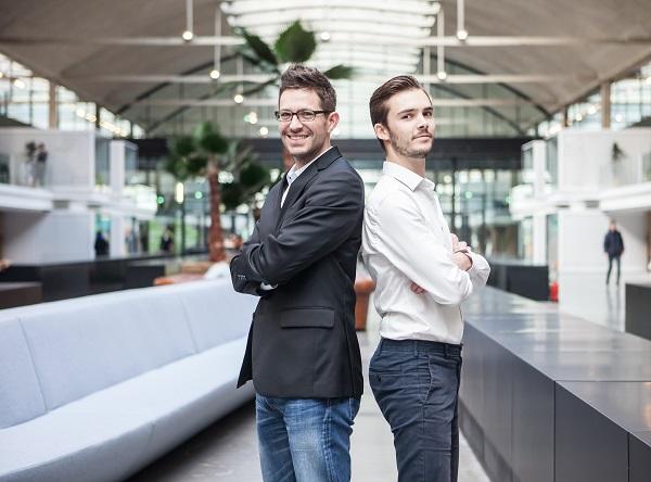 Les deux fondateurs, dans les couloirs de la Station F - Crédit photo : SoBus.