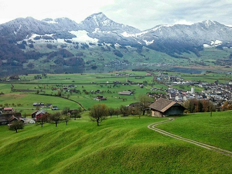 """"""" A la fin du siècle, le ski deviendra un sport destiné à une clientèle fortunée"""" selon Daniel Goetz - Crédit photo : Pixabay, photo libre pour usage commercial"""