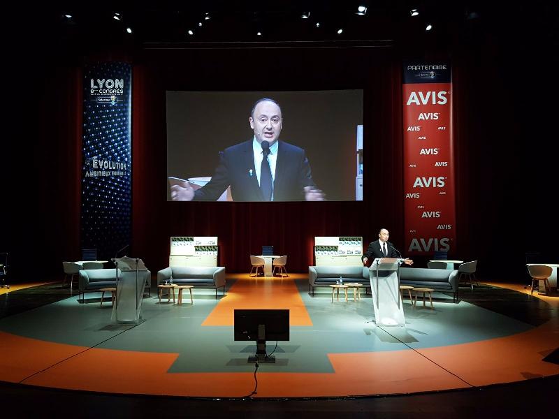 Laurent Abitbol, président de la coopérative Selectour lors de son discours d'ouverture au congrès du réseau à Lyon - Photo CE