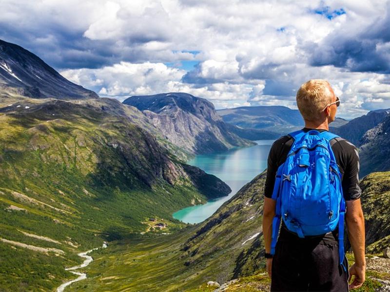 Aujourd'hui, il est nécessaire que le tourisme tienne compte des données locales et environnementales - photo creative commons - pixabay