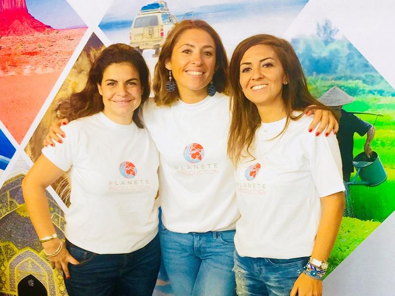Les 3 fondatrices de Planète Production, avec en son centre Sophie Aubriet - Crédit photo : Planète Production
