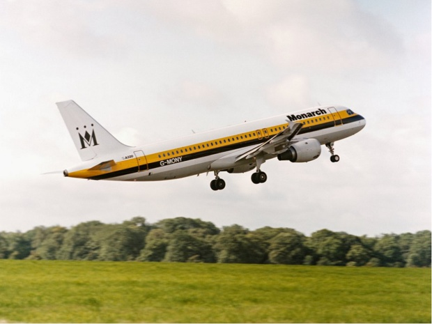 La compagnie britannique a laissé 110 000 passagers sans vol retour - Crédit photo : compte Twitter @Monarch