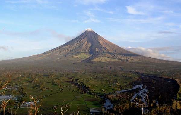 Volcan Mayon - Crédit photo : Wikimedia, Thomas Tam
