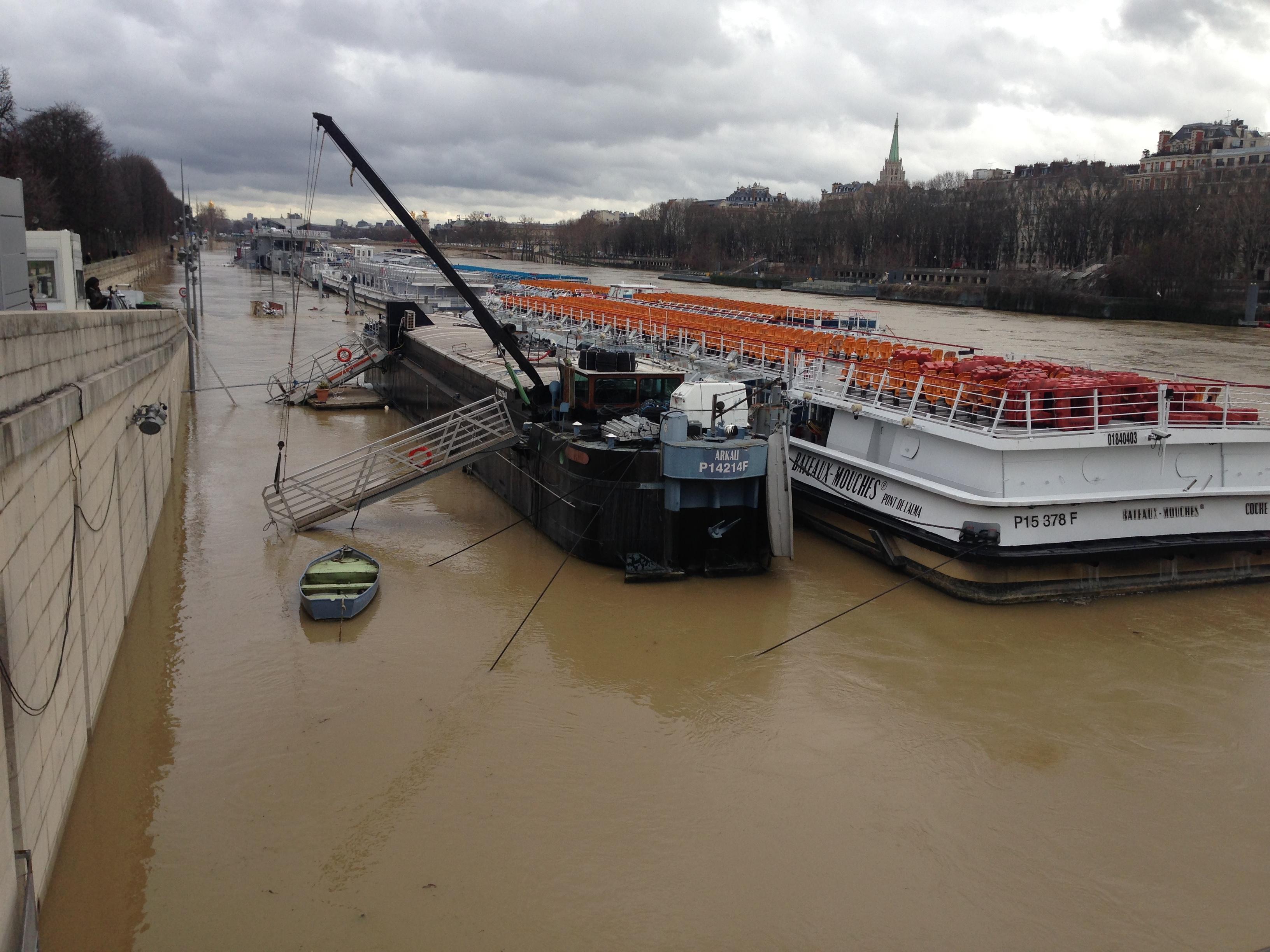 Le niveau de la Seine continue de monter. - CL