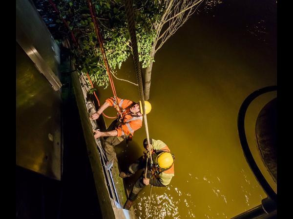 La SNCF a dépêché une équipe sur les quais pour rétablir au plus vite le réseau sur la ligne C du RER - Crédit photo : Julien Cambon , SNCF Réseau