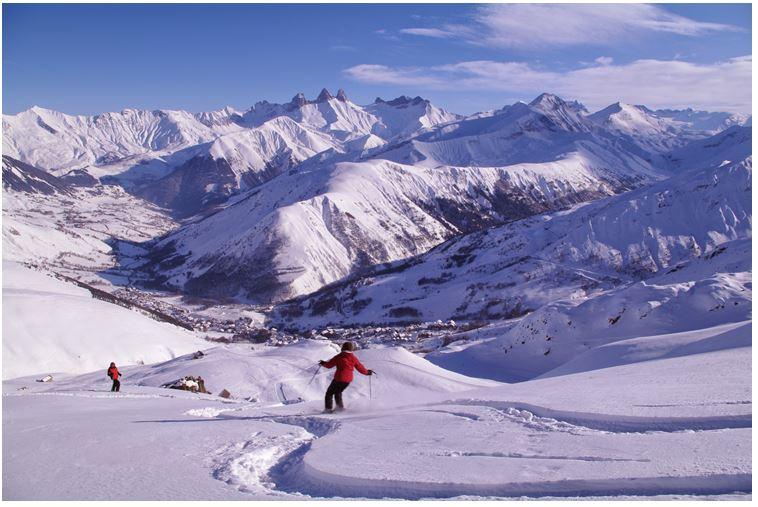 Le ski de printemps attire de plus en plus les vacanciers - © E. Axelrad Ot St Sorlin d'Arves