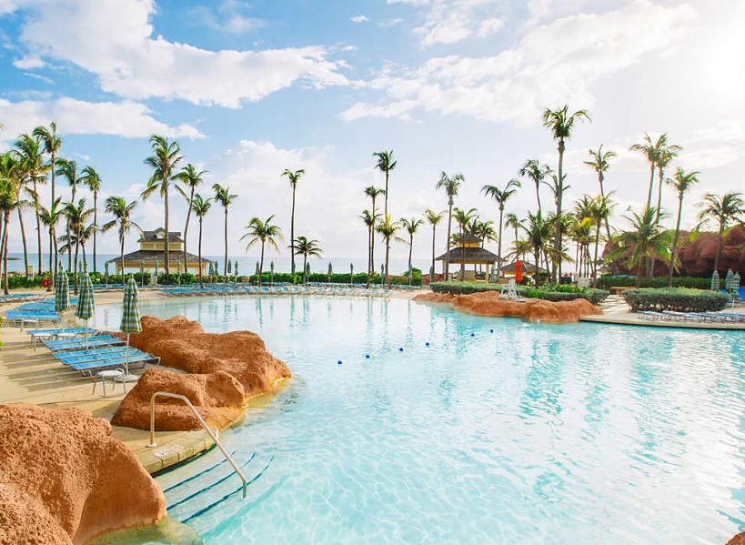La piscine du Beach at Atlantis - DR Atlantis Paradise Island