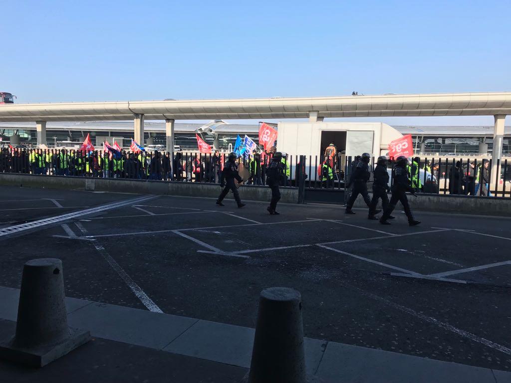 Manifestation du personnel d'Air France à l'aéroport Paris-Charles de Gaulle ce jeudi 22 février 2018 - Photo DG