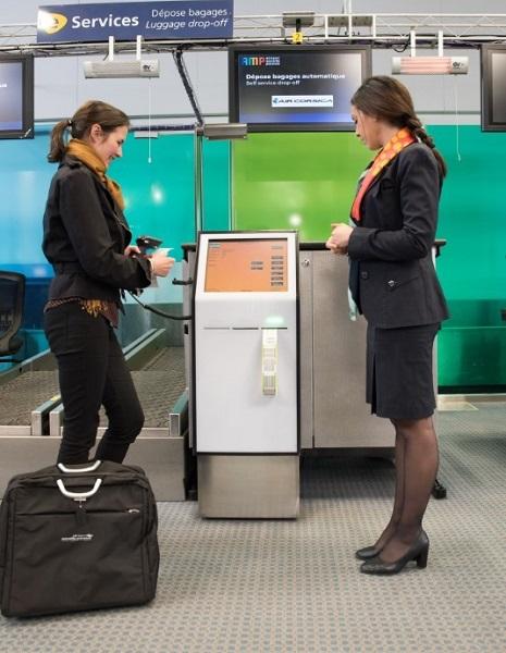 """Deux bornes """"drop off'' automatisées équipent l'aéroport de Marseille - Crédit photo : AMP"""
