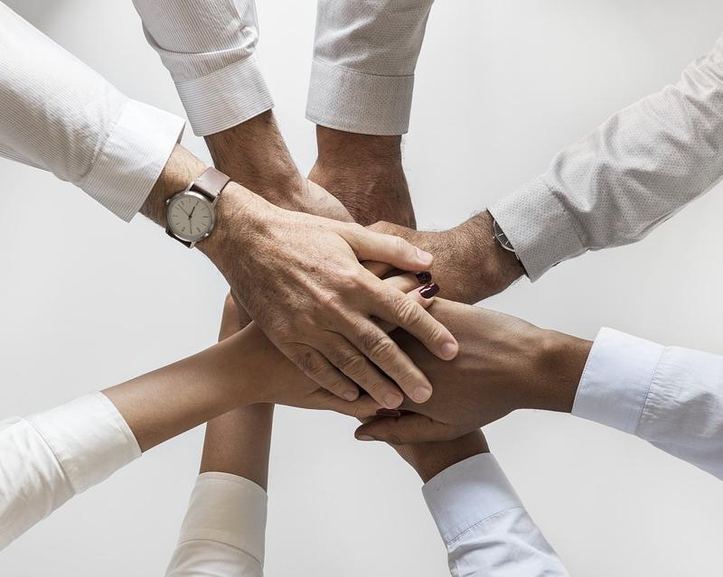 Il est temps, maintenant, que toutes nos compagnies fassent, enfin, front commun. Il en va de la vie de milliers de salariés… et bien entendu, du pavillon français - Photo Pixabay rawpixel