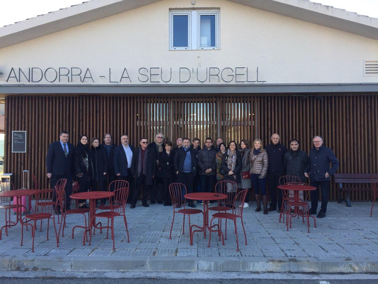 Une quinzaine de professionnels du tourisme étaient présents à l'inauguration du vol Marseille-Seu d'Urgell le 9 mars 2018.