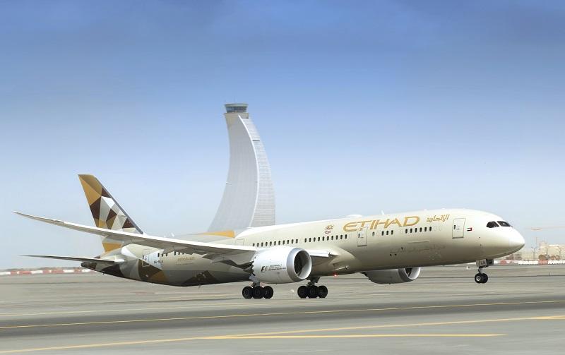 Etihad Airways opère un Boeing 787-9 Dreamliner sur ses vols quotidiens entre Abu Dhabi et Zurich. - Photo Etihad