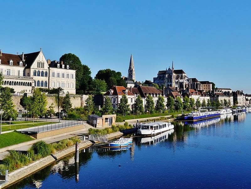 Auxerre et la franche comt veulent attirer l 39 international - Office de tourisme auxerre ...