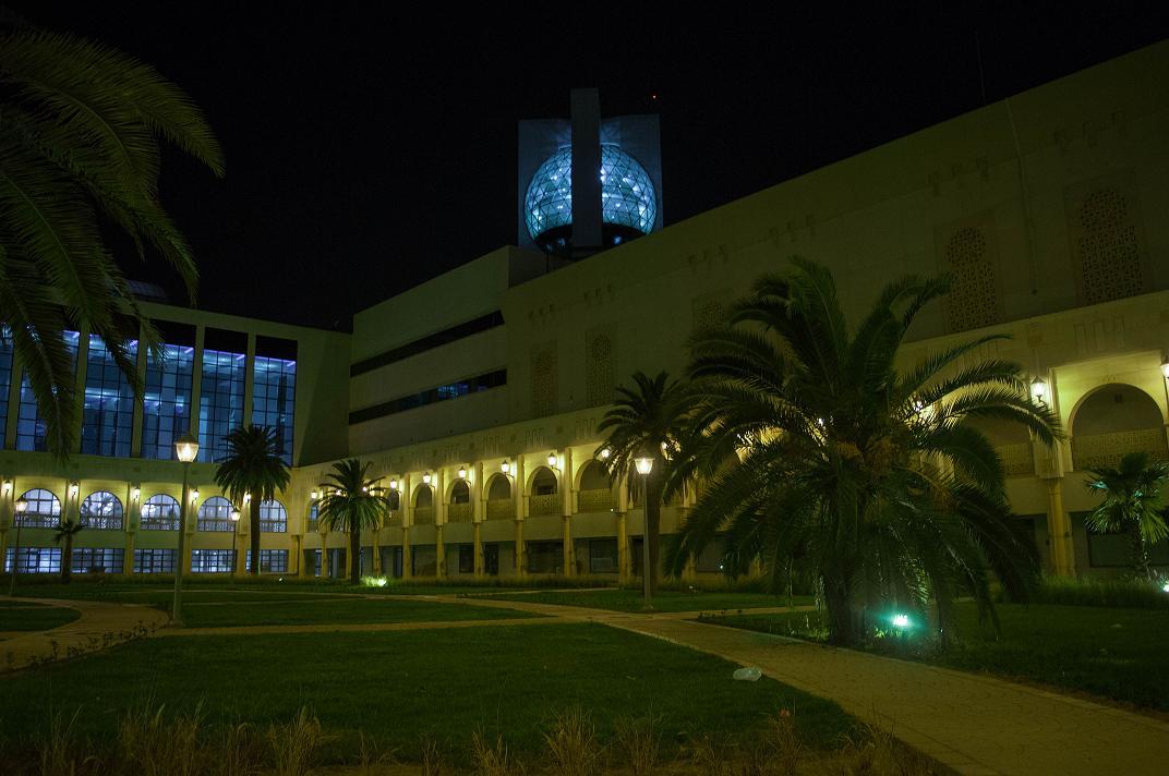 La Cité de la Culture et sa géode surélevée en verre qui est déjà un monument emblématique de Tunis. Du haut de ses 65 mètres elle donne une vue panoramique à 360° sur le Grand Tunis. Photo presse Cité de la Culture.