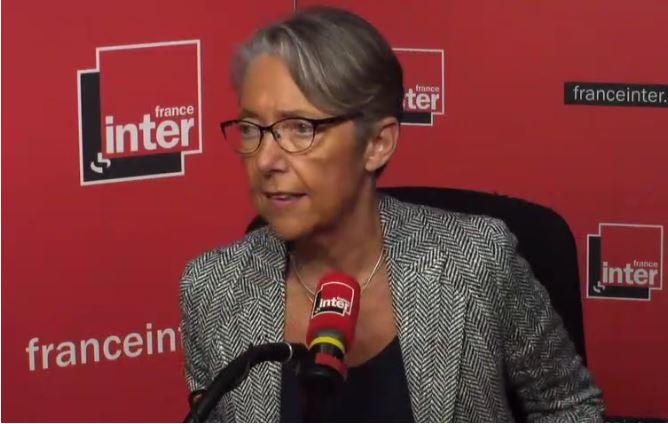 """Elisabeth Borne souhaiterait rendre la SNCF """"incessible"""""""