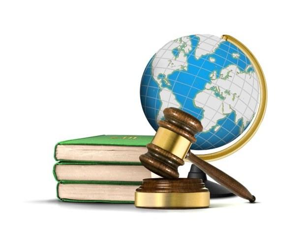 Tous les lundis retrouvez les ateliers juridiques d'Emmanuelle Llop - Photo : Fotolia.com - razihusin
