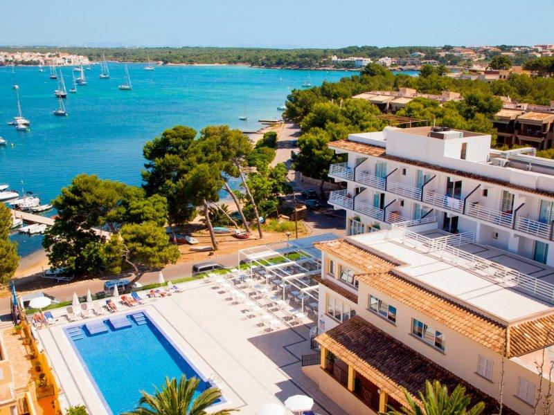 L'hôtel Vistamar**** propose 148 chambres et suites, deux piscines extérieures, un spa, un restaurant ainsi qu'un bar extérieur - DR : Pierre & Vacances